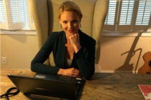 Katherine Heigl Hosts Facebook Q&A