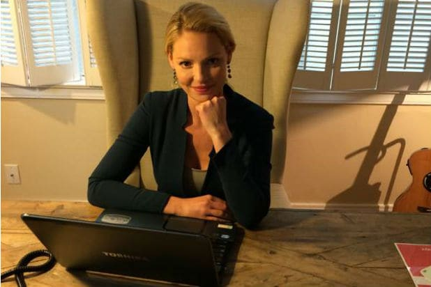 Katherine Heigl Hosts Facebook Q&A