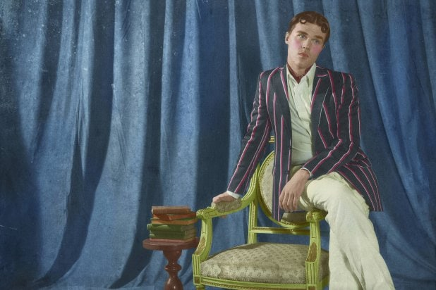 American Horror Story Freak Show Deadly Finale Offers Rare Happy Ending