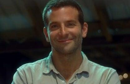 Bradley Cooper, Emma Stone in 'Aloha' TrailerqBradley Cooper, Emma Stone in 'Aloha' Trailer