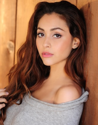 The 100 S Lindsey Morgan Lands Lead In Tv Movie Casa
