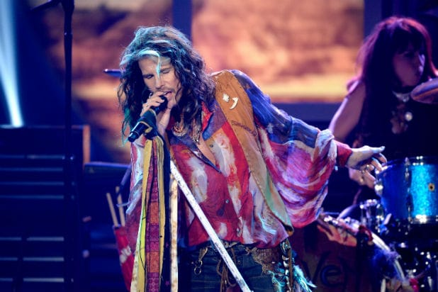 Steven Tyler new england patriots super bowl 51