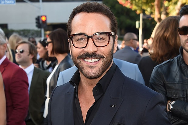 Jeremy Piven Cast In Lead Role In Cbs Drama Pilot Wisdom Of The Crowd