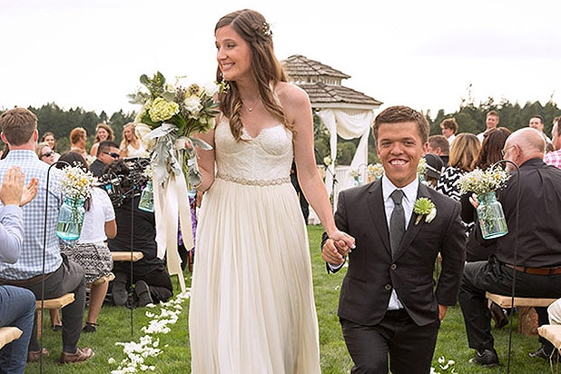 zachary bennett married - photo #46