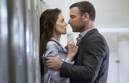 """""""Ray Donovan"""" Season 3, Katie Holmes, Liev Schreiber (Michael Desmond/Showtime)"""