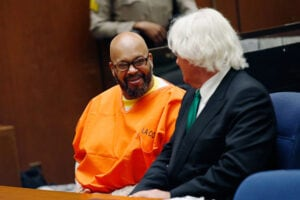 "Marion ""Suge"" Knight court appearance with lawyer Thomas Mesereau (Patrick T Fallon-Pool/Getty Images)"