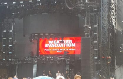The projection on the Perry's stage at 2:35 pm CT on Sunday, August 2. (Mikey Glazer)