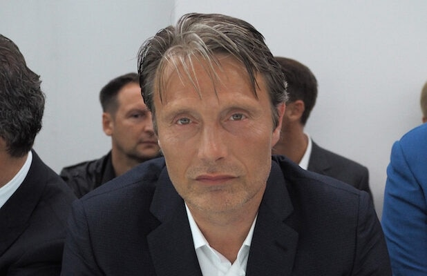 MILAN, ITALY - JUNE 22: Mads Mikkelsen attends the Marcelo Brioni show during the Milan Men's Fashion Week Spring/Summer 2016 on June 22, 2015 in Milan, Italy. (Photo by Pietro D'Aprano/Getty Images)