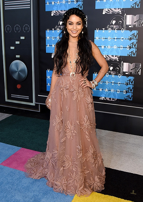 AUGUST 30: Actress Vanessa Hudgens attends the 2015 MTV Video Music Awards at Microsoft Theater on August 30, 2015 in Los Angeles, California. (Photo by Frazer Harrison/Getty Images)
