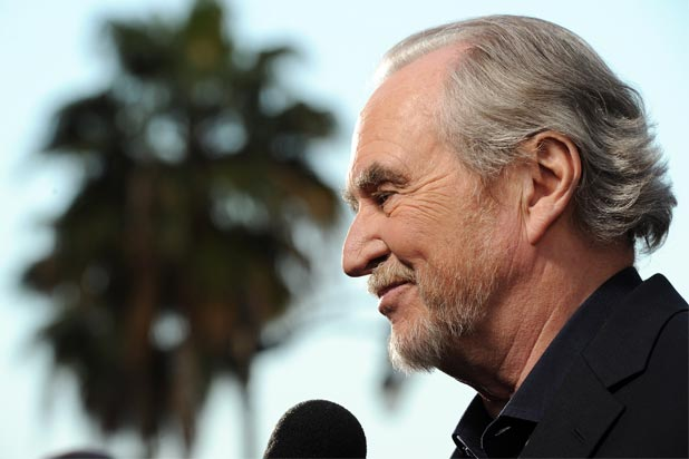 Courteney Cox David Arquette Join Stars Paying Tribute To Wes Craven