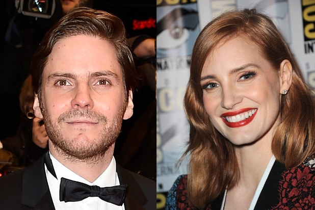 Daniel Bruehl, Jessica Chastain (Pascal Le Segretain; Albert L. Ortega/Getty Images)