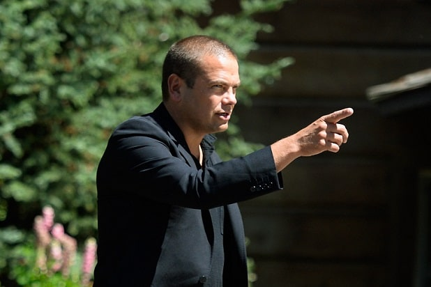 SUN VALLEY, ID - JULY 09: Lachlan Murdoch, son of media mogul Rupert Murdoch and executive of Illyria Property Limited, arrives for the Allen & Co., annual conference on July 9, 2013 in Sun Valley, Idaho. The resort will host corporate leaders for the 31th annual Allen & Co. media and technology conference where some of the wealthiest and most powerful executives in media, finance, politics and tech gather for weeklong meetings which begins Tuesday. Past attendees included Warren Buffett, Bill Gates and Mark Zuckerberg. (Photo by Kevork Djansezian/Getty Images)