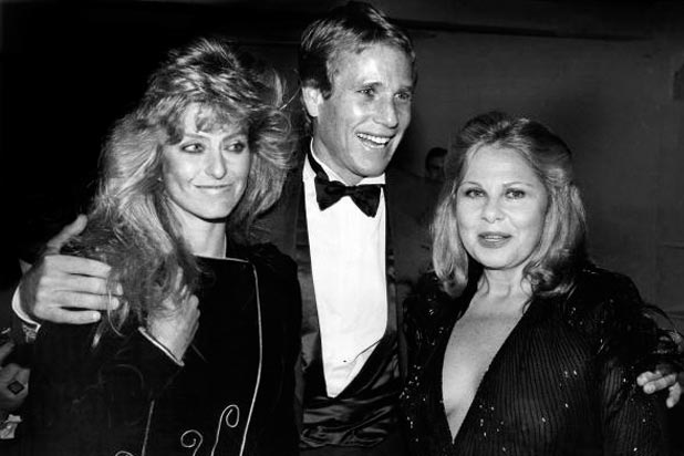 Farrah Fawcett, Ryan O'Neal and Sue Mengers at Studio 54 in 1981. (Photo: Getty Images)