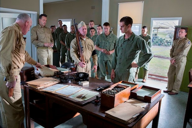 Mel Gibson Offers First Look At Andrew Garfield Vince Vaughn In Hacksaw Ridge Photo