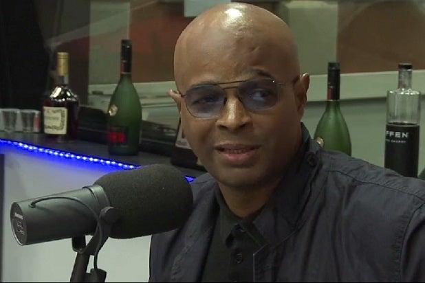 damon wayans defends his bill cosby rape comments amid backlash