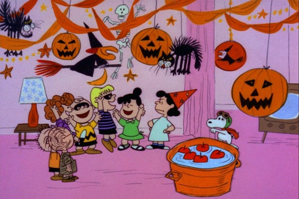 """IT'S THE GREAT PUMPKIN, CHARLIE BROWN"" - The classic animated Halloween-themed PEANUTS special, ""It's the Great Pumpkin, Charlie Brown,"" created by late cartoonist Charles M. Schulz, airs TUESDAY, OCTOBER 20 (8:00-8:30 p.m., ET) and OCTOBER 29 (8:00-8:30 p.m., ET) on the ABC Television Network. (©1966 United Feature Syndicate Inc.)"