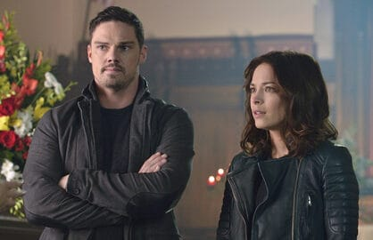 "Beauty and the Beast -- ""Chasing Ghosts"" -- Image Number: BB306b_0169.jpg -- Pictured (L-R): Jay Ryan as Vincent and Kristin Kreuk as Catherine -- Photo: Ben Mark Holzberg/The CW -- © 2015 The CW Network, LLC. All rights reserved."