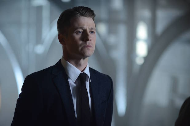 "GOTHAM: Gordon (Benjamin McKenzie)in the ""Rise of the Villains: Strike Force"" episode of GOTHAM airing Monday, Oct. 12 (8:00-9:00 PM ET/PT) on FOX. ©2015 Fox Broadcasting Co. Cr: FOX."