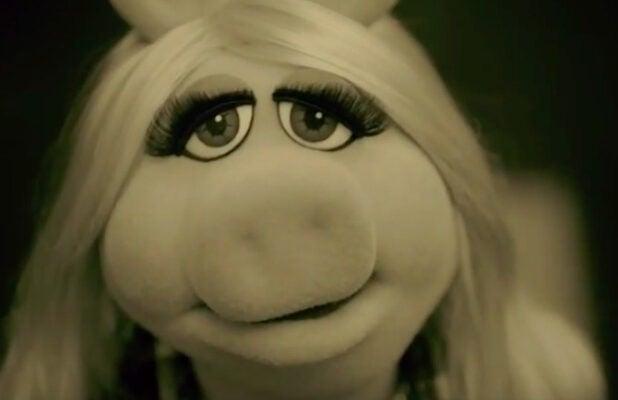 Miss Piggy Adele Hello