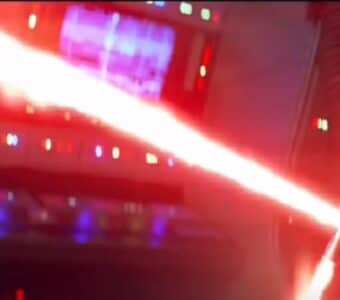 star-wars-force-awakens-kylo-ren-lightsaber