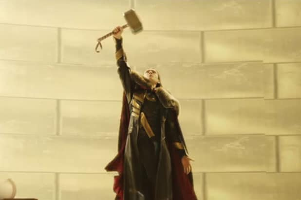 Loki Wields Thor's Hammer in 'Dark World' Deleted Scene