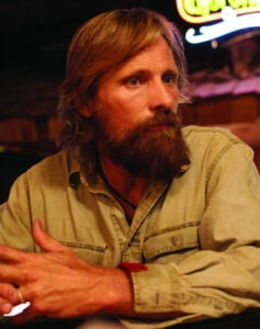 CaptainFantastic_still3_ViggoMortensen