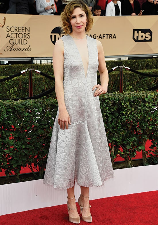Carrie Brownstein arrives at the SAG Awards