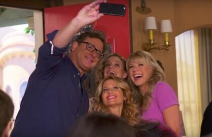 Fuller House Behind the Scenes Selfie