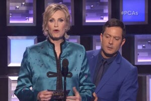 Jane Lynch spoofs Miss Universe Mishap at PCA