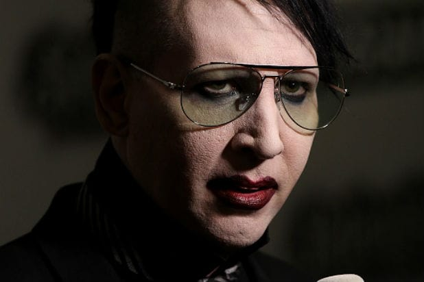 Marilyn manson takes another swipe at justin bieber i dont like marilyn manson takes another swipe at justin bieber i dont like to fight with girls audio bookmarktalkfo Images
