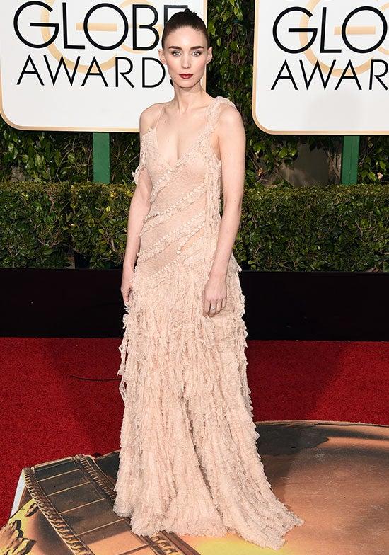 Rooney Mara arrives at the Golden Globes