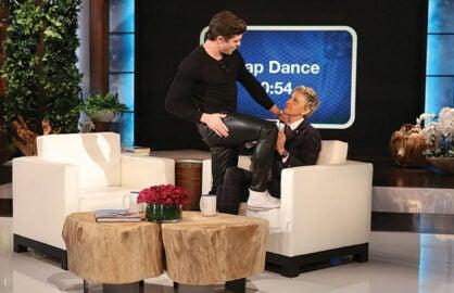 Zac Efron Gives Ellen DeGeneres a Lap Dance