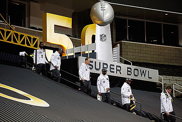 Denver Broncos walk into Super Bowl 50 Media Night