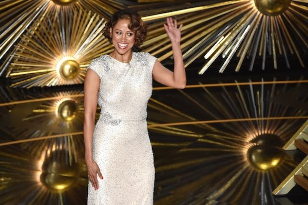 Oscars 2016: What the heck was Stacey Dash doing?