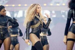 Beyonce Super Bowl 2