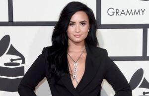 Demi Lovato nude photo hack stolen