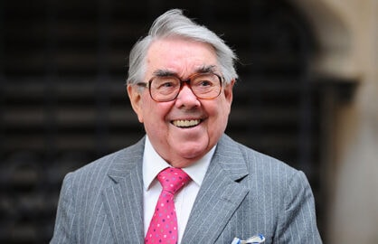 Ronnie Corbett Dies at 85