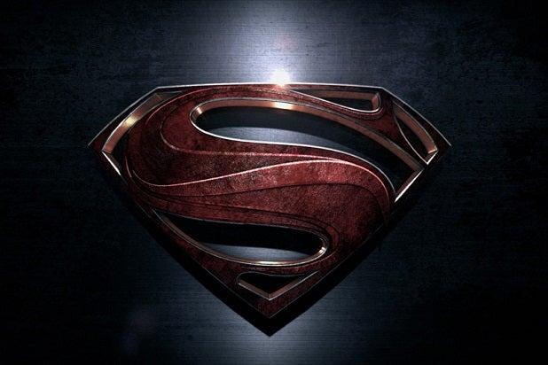 Dailies | 'Batman v Superman' Star Amy Adams Sounds Off Against Jimmy Fallon in Microphone Showdown (Video)