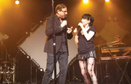 Bob Saget, Carly Rae Jepsen sing Fuller House song