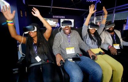Festival goers experience Samsung Gear VR