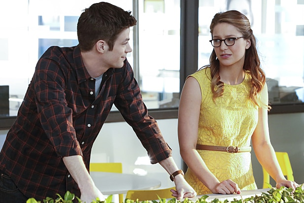 The Flash'-'Supergirl' Musical Crossover Cast, Premiere