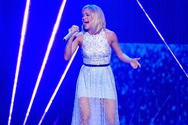 Carrie Underwood American Idol Finale