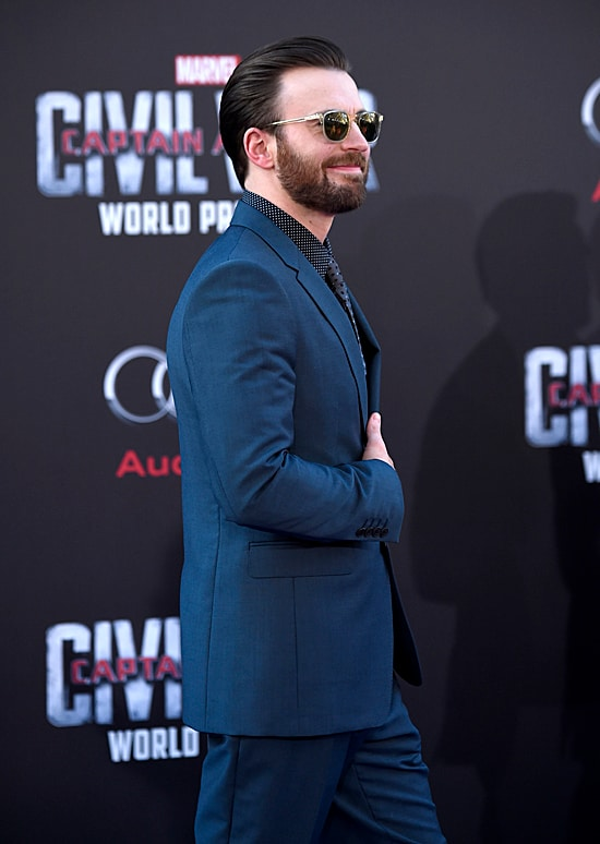 Chris Evans attends the premiere of Marvel's Captain America: Civil War
