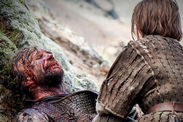 Game-of-Thrones-Hound-Dies