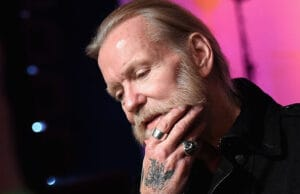 Gregg Allman's tour bus crashes