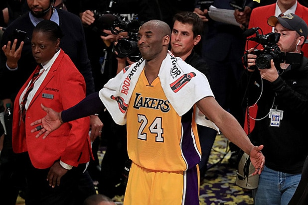 9697fb0fb93a Kobe Bryant s Hollywood Ending  See Which Stars Went to Lakers ...