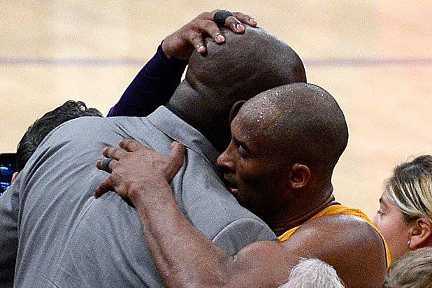Shaquille O'Neal Kobe Bryant hug