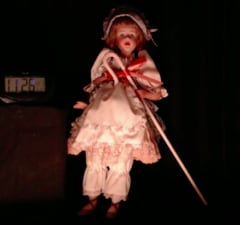 """""""Ann"""" is said to be a haunted doll, being livestreamed for two weeks"""