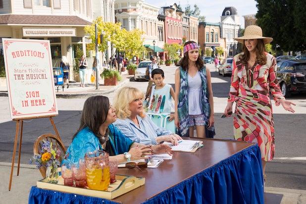 'Gilmore Girls' revival arrives on Netflix Nov. 25