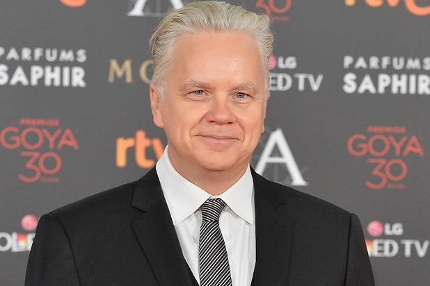 Tim Robbins Ripped to Shreds by Hillary Clinton Supporters Over His ...